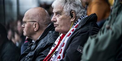 Jan Wolters op de blindentribune van FC Emmen.
