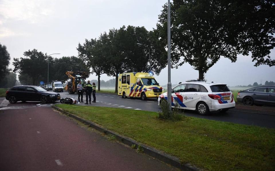 Scooterrijder gewond bij botsing met auto in Winschoten.