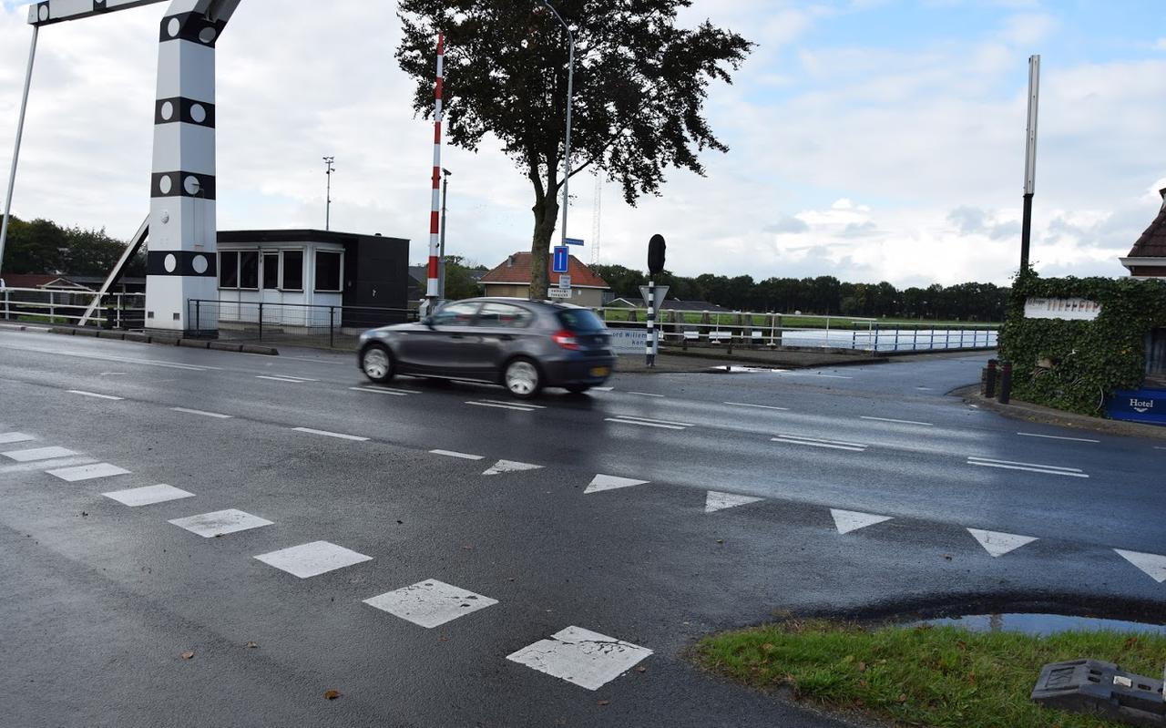 Hier zou de doorgaande fietsroute de N386 gaan kruisen. Critici voorspellen dat dit een gevaarlijke oversteek wordt. Een fietstunnel zou uitkomst kunnen bieden.