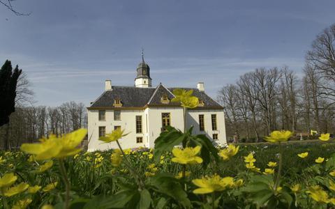 De provincie Groningen trekt subsidie uit voor behoud van het cultureel erfgoed, bijvoorbeeld voor het overeind houden van borgen.