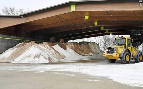Strooien zit er voorlopig op: Rijkswaterstaat is zo'n 120 miljoen kilo zout armer (maar geen zorgen: er is nog genoeg over)