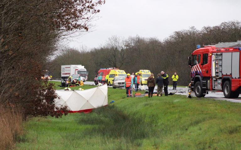 Drie gewonden bij ernstig ongeval op autoweg Emmen-Drachten.
