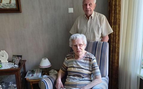 Wel gebak, maar geen slingers voor briljanten echtpaar Albers uit Emmen