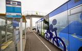 Fietsen over Afsluitdijk nog drie jaar onmogelijk. Inframinister Cora van Nieuwenhuizen onwrikbaar