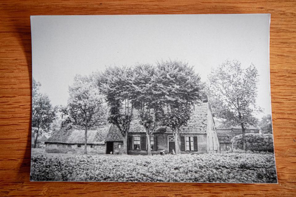 De oude Saksische boerderij van de familie Boer ging volledig in vlammen op.