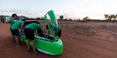 Top Dutch Solar Racing stopt elke twee tot vier uur voor een controle.