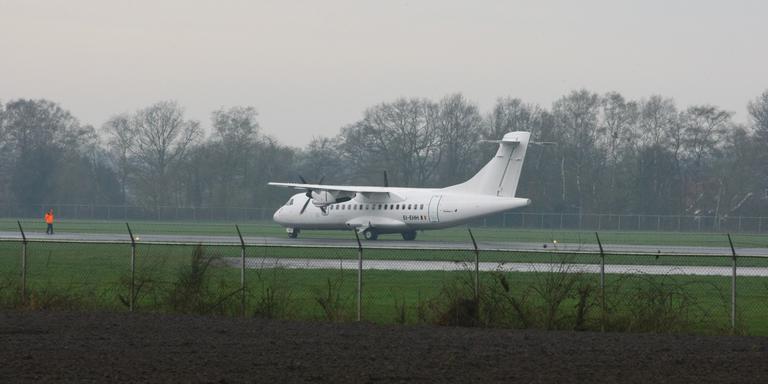 Het toestel van Stobart Air moest door rookontwikkeling een noodlanding maken. FOTO VAN OOST MEDIA