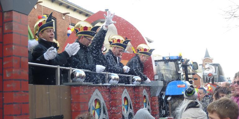 Carnaval in Kronkeldörp, oftewel Kloostburen. Foto Henny Oosterhuis