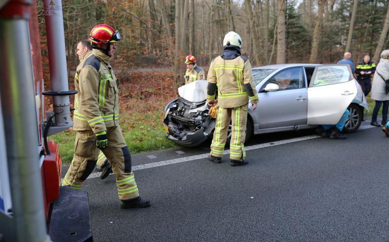 Margraten - Tien gewonden bij ernstige aanrijding tussen lijnbus en auto.
