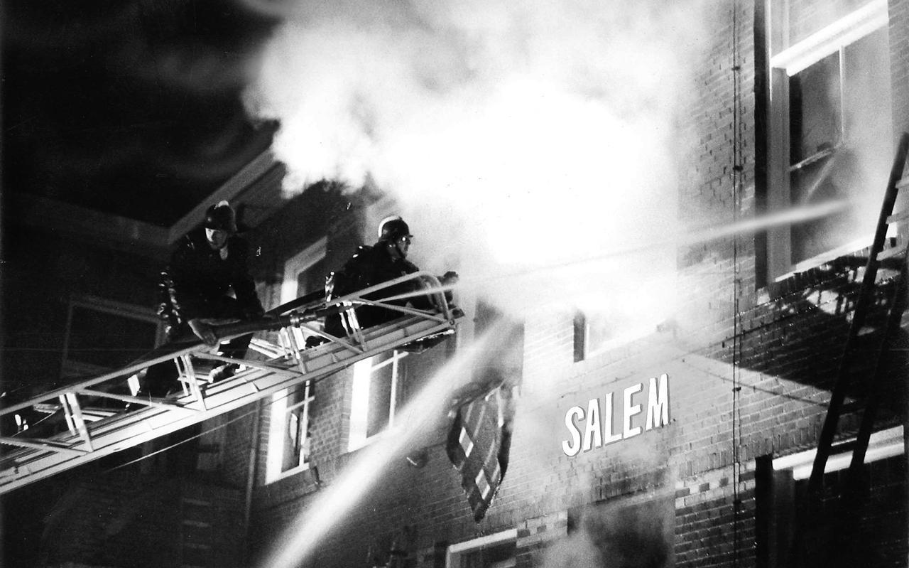 Het vrouwenpaviljoen Salem stond op 24 oktober 1970 in lichterlaaie. Zestien patiënten kwamen door de brand om het leven.