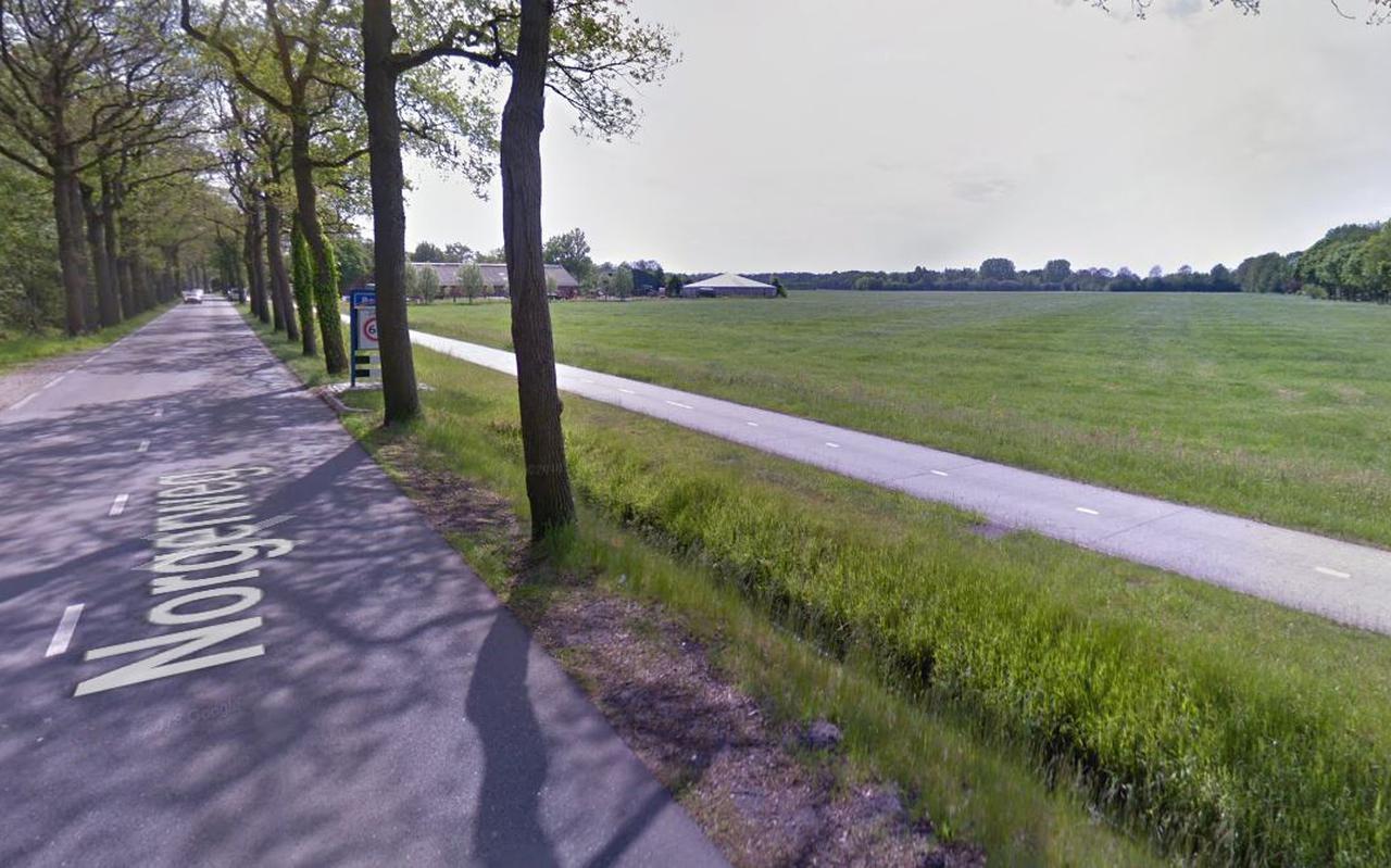 Het college van B en W stelt voor nieuwe uitbreidingswijken te bouwen langs de Norgerweg in Roden. Foto: Google Streetview.