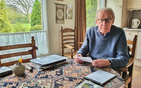 Loek Spaanderman (98) werkte voor het Militair Gezag en stelde dossiers op van 'foute' Nederlanders: 'Eindelijk konden NSB'ers en oorlogsmisdadigers hun gepaste straf krijgen'