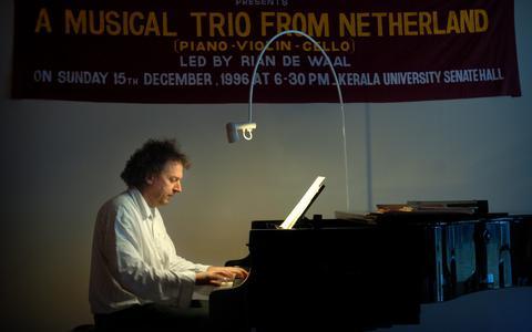Pianist Rian de Waal wordt 10 jaar na zijn overlijden herdacht met een dubbelalbum. 'Ik mis hem nog iedere dag'