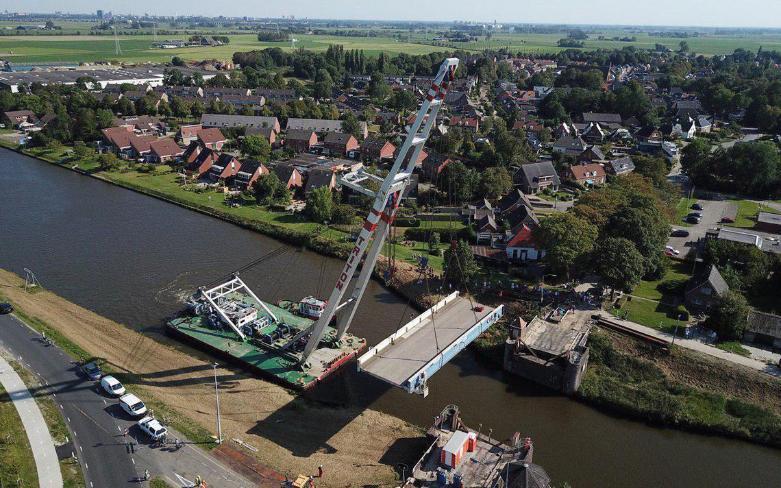 Verwijderen oude brug bij Aduard gestart - Dagblad van het Noorden