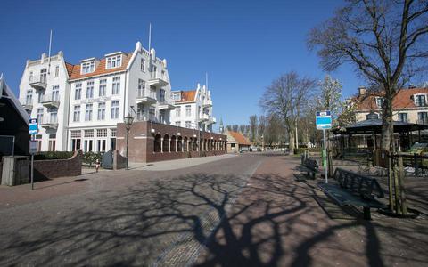 Centrum Schiermonnikoog blijft komende zomers voor minder auto's, bussen en vrachtwagens toegankelijk