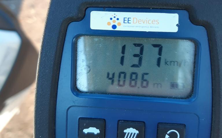 Automobilist scheurt met 137 kilometer per uur over 60-kilometerweg in Hooghalen