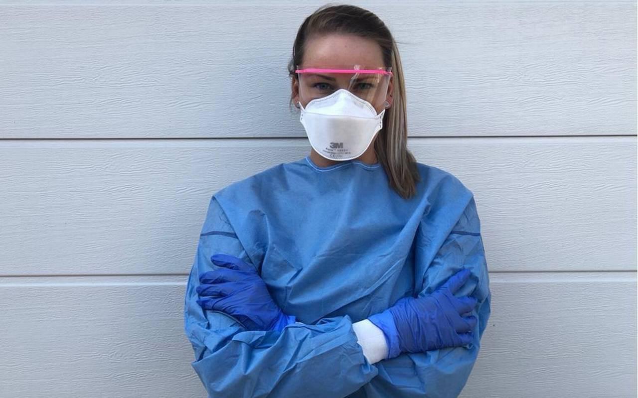Verpleegkundige Annemiek Kliphuis werkt op de corona-afdeling van het ziekenhuis in Emmen.