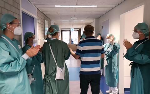 Verpleegkundige Susan vlogt vanaf de corona afdeling: 'Het is zwaar maar als je een patiënt naar huis ziet gaan dan weet je waarvoor je het doet'