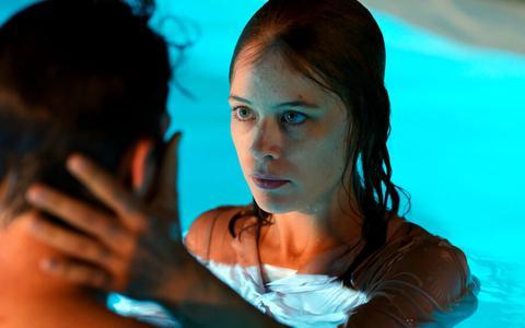 Filmregisseur Christian Petzold over Undine: 'Water moest de basis zijn'   filmrecensie ★★★★☆