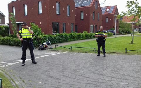 Scooterrijder aangereden in Assen, auto ervandoor