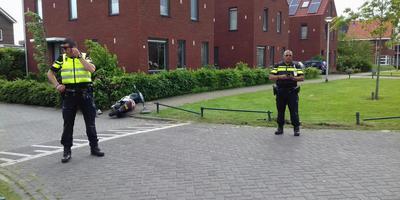 Aanrijding op de Ruysdaelstraat in Assen. FOTO VAN OOST MEDIA