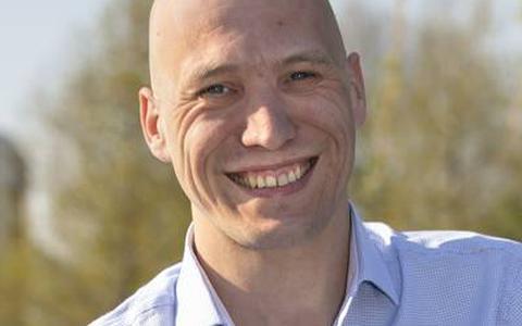 Raadslid Anton Reinders stapt uit SP-fractie Stadskanaal (maar hij behoudt zijn zetel)