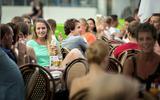 Extra terrassen op de Grote Markt, gemeente Groningen geeft groen licht