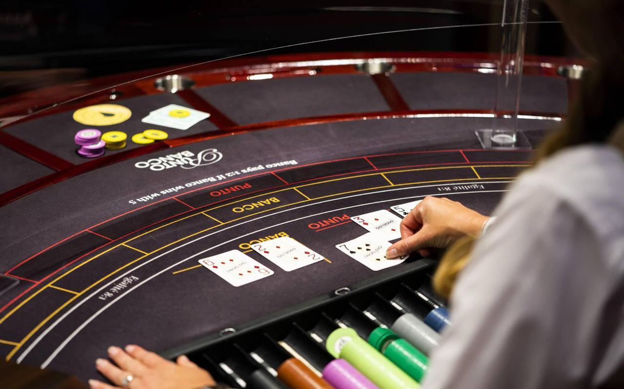 Oudste verdachte uit Emmen kocht bij een bezoek voor bijna 50.000 euro aan gokfiches. Foto: ANP