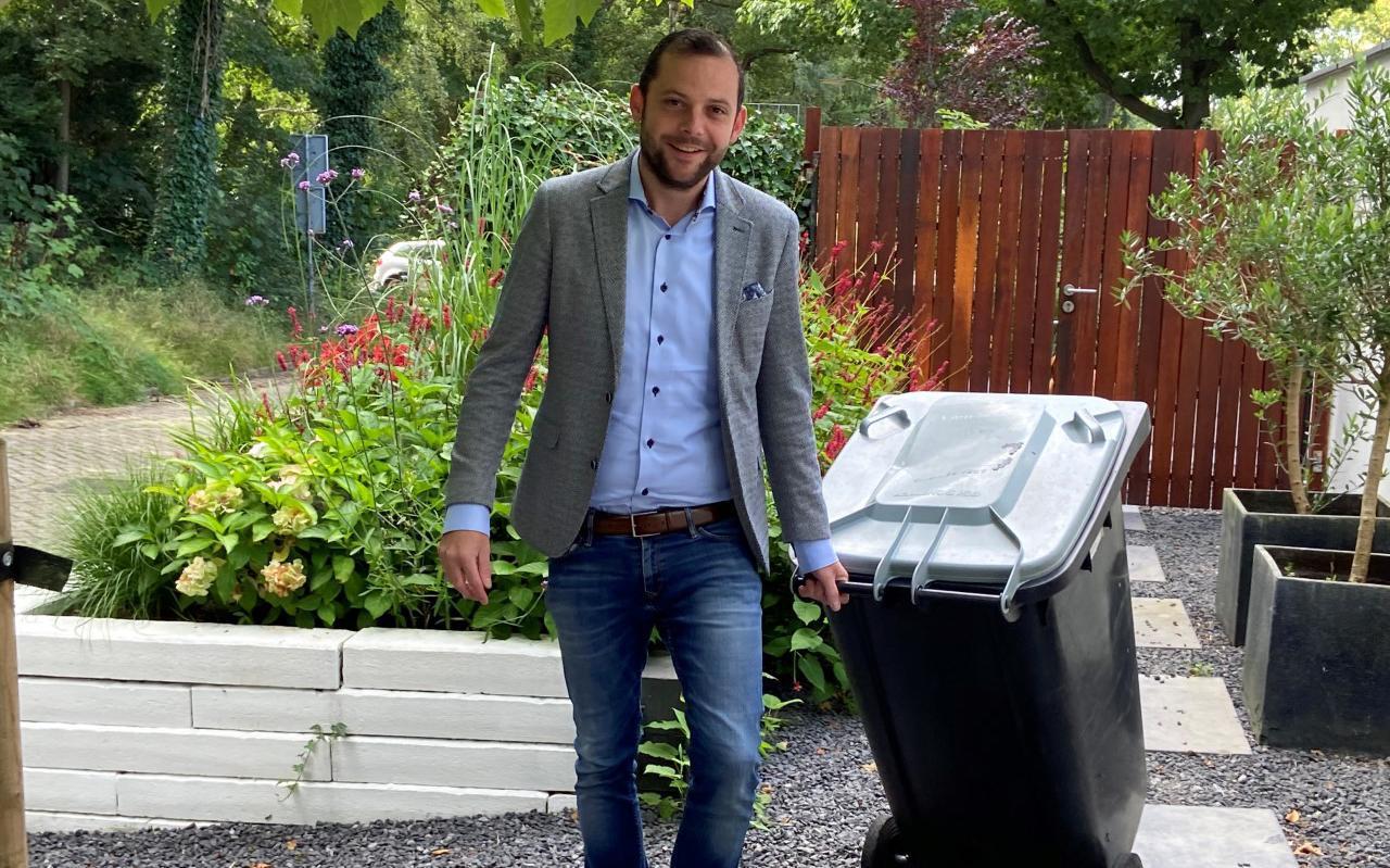 Wethouder René van der Weide moet nieuw afvalplan door de gemeenteraad loodsen