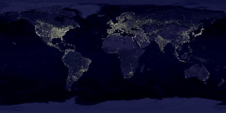 De aarde bij nacht vanuit de ruimte