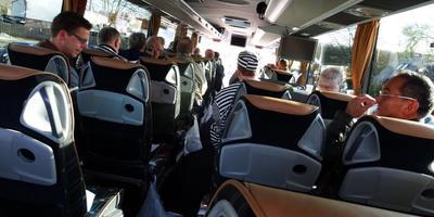 Het personeel van de P.I.'s onderweg naar Den Haag.