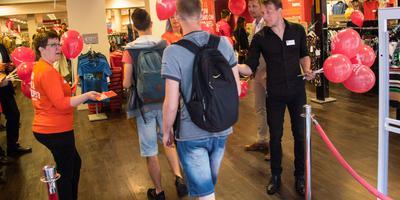 Winkelketen TK Maxx opende donderdagmorgen een filiaal in Groningen.