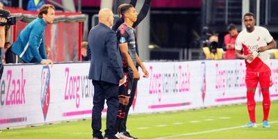 Ruben Roosken van FC Emmen staat op het punt zijn debuut te maken in Stadion Galgenwaard. Foto Gerrit Rijkens