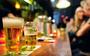 Een drankje weigeren vinden we erg moeilijk (en Nederlanders onderschatten gevaren van alcohol)