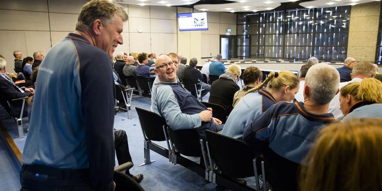 Gevangenismedewerkers tijdens het debat. FOTO ANP/BART MAAT