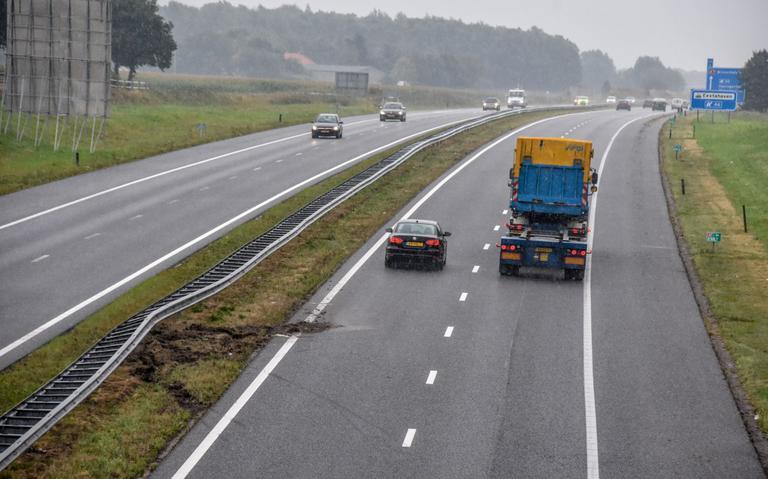 Vangrail A7 bij Scheemda beschadigd na aanrijding.