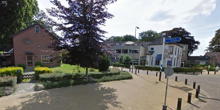 De hoek Schooldijk/Vaart ZZ in Nieuw-Amsterdam voor de bouw van Top Therapieën. Foto Google Streetview