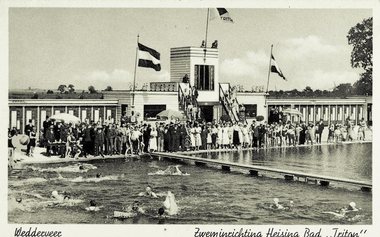 De opening van het zwembad Triton in de jaren 30 trok heel veel publiek