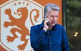 Voorzitter Ronald Lubbers van FC Emmen tijdens een onderbreking van het gesprek met vertegenwoordigers van de KNVB over de veelbesproken sponsordeal met online-seksshop EasyToys.
