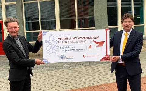 Op de Winkler Prins-locatie in het centrum van Veendam worden in een versneld tempo nieuwe woningen gebouwd; de gemeente gaat met steun van de provincie nu al een plan voor die plek maken