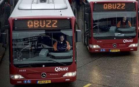 OV in Nederland krimpt met tien procent door corona. In Groningen en Drenthe gaat de bijl in de spitsbussen, maar blijft de streeklijn overeind