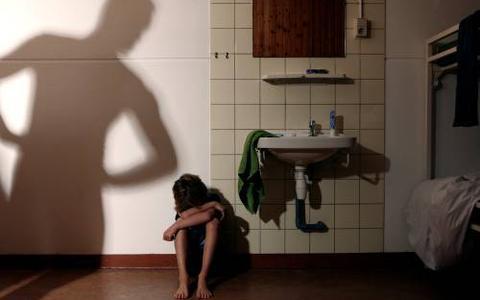 Aantal meldingen van seksueel geweld in Groningen en Drenthe stijgt minder hard dan in andere provincies. Speelt de noordelijke cultuur daarbij een rol?