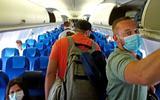 De grenzen van de meeste landen in Europa zijn weer open, dus vliegen we met KLM naar Spanje: 'Afstand houden is natuurlijk totaal onmogelijk'