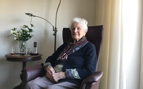 Oma Lien (90) krijgt nauwelijks nog bezoek na coronamaatregelen: 'Gossiemikkie, en hoe lang? Drie weken?!'