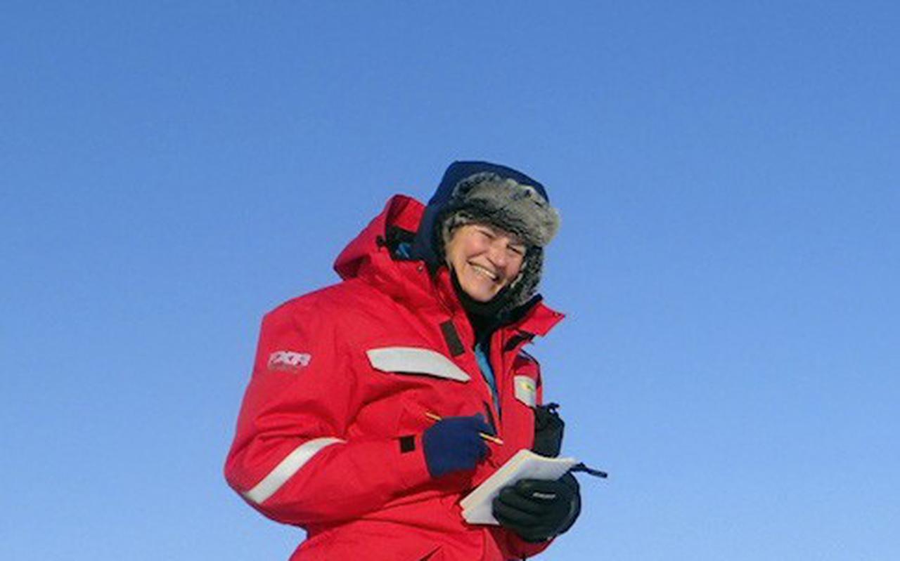 Dr. Jacqueline Stefels van de Rijksuniversiteit Groningen keert terug van de grootste poolexpeditie ooit.
