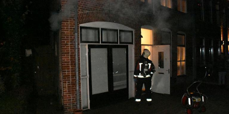 Rookmelders verraadden een in brand gevlogen eierdoos. FOTO 112 GRONINGEN / MARTIN NUVER