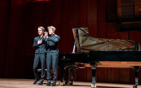 Arthur en Lucas Jussen treden voor het eerst in vier maanden weer live op: 'Ik hoorde een hoestje, een teken van leven'