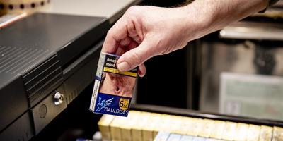 Pakjes sigaretten in een Kiosk