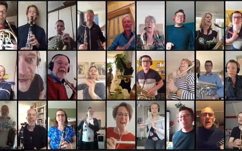 Muzikanten Gruno's Postharmonie plunderen keukenkastjes voor Stay at home cha cha