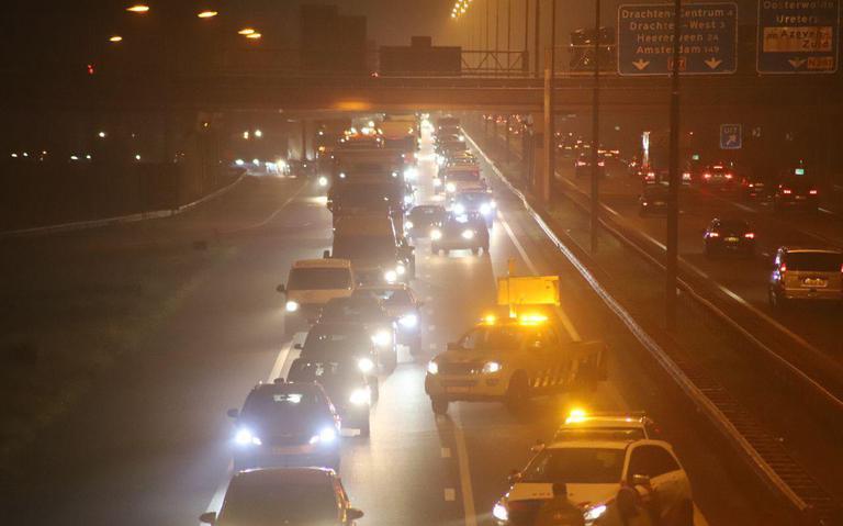 Botsingen met meerdere autos veroorzaken files op de A7 in de richting van en naar Groningen.
